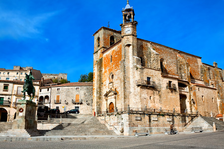 Saint Martin's church and statue of Fransisco Pisarro. Trujillo. Spain