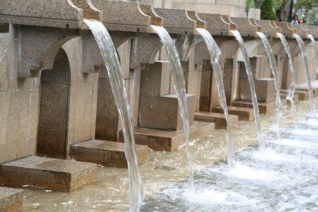 Magnifique fontaine d'eau  Banque d'images - 305723