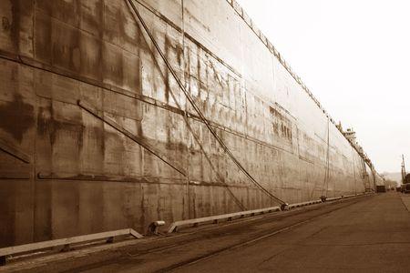 oxidado: Rusty, desde grandes barcazas