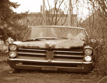 motor de carro: Oxidado viejo coche