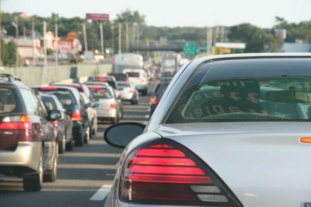 afflux: l'heure de pointe embouteillage