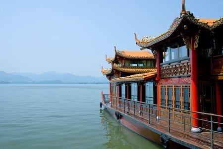 environmen: Traditional ship at the Xihu (West lake), Hangzhou, China Stock Photo