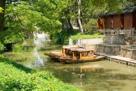 jiangsu: Tourist boats on the canal of Suzhou, Jiangsu province, China