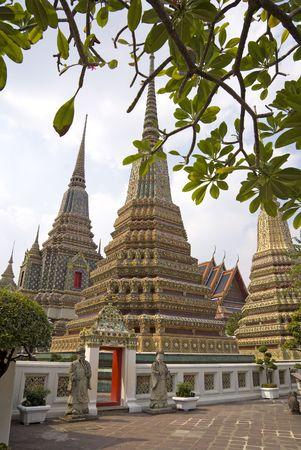 stupas: Stupa di Wat Pho (Wat Phra Chetuphon), Bangkok, Tailandia Archivio Fotografico