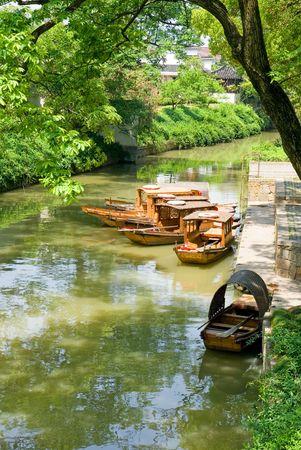 jiangsu: Traditional boats on the canal of Suzhou, Jiangsu province, China