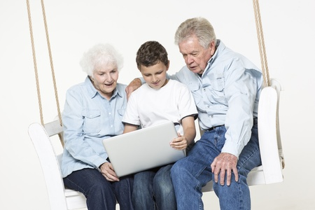 70 75 years: Grandson helps his grandparents with computer problem