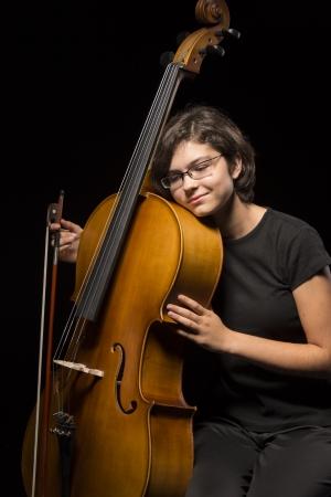 cellist: Cellist rests