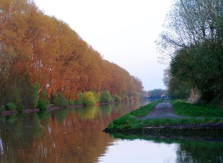 A Belgian canal: peaceful morning.