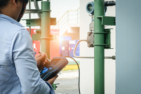 Technician,Instrument technician on the job calibrate or function check equipment in process industry.