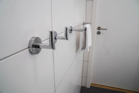 towel hanger in the luxury hotel bathroom Reklamní fotografie