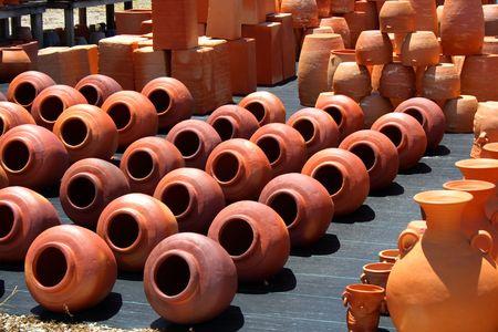 jardineras: Surtido de ollas de barro rojo y plantadores
