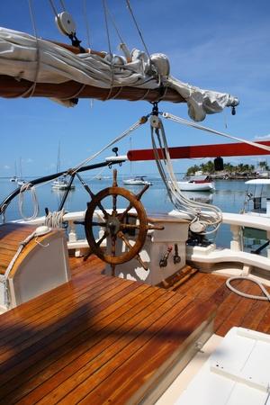 barco pirata: Ver en un puerto de la popa de un barco de vela Foto de archivo