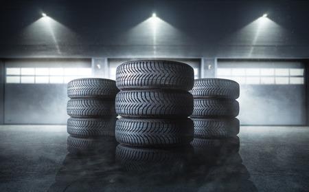 mucchio di pneumatici per auto