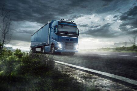 Truck on the road 版權商用圖片 - 130136912