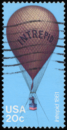 UNITED STATES - CIRCA 1983:A stamp printed by United States of America, shows balloon, circa 1983 Редакционное