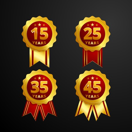 Insigne de logo anniversaire avec dessin vectoriel de ruban. Ensemble de bouton de médaille d'or rouge brillant avec des nombres pour la célébration d'anniversaire Logo