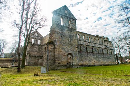 Les ruines du monastère à Paulinzella en Thuringe