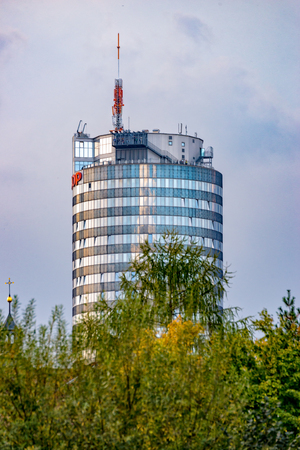 The Uniturm Jentower in Jena from the river Saale Stockfoto