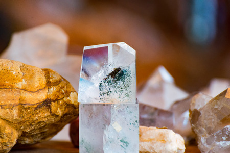 The white Crystal and the yellow Stone