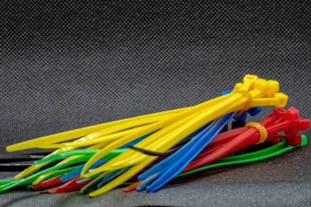 Cable ties in different colors Imagens - 121021374
