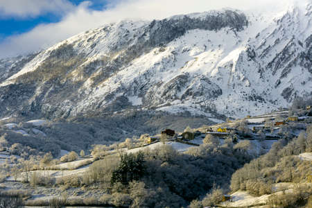 Nice snowy view of the Sierra del Aramo, located between the councils of Riosa and Quiros and that is included in the so-called central mountain of Asturias. The town seen in the photo is Muriellos.
