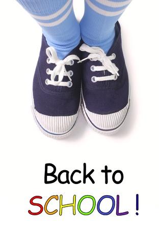 zapatos escolares: Joven chico listo para volver a la escuela