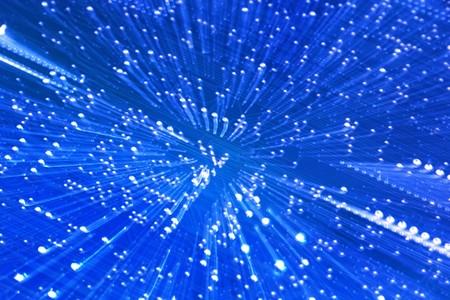 Hi-Tech abstracte achtergrond. Een circuit bord genomen met de zoom-motion techniek.