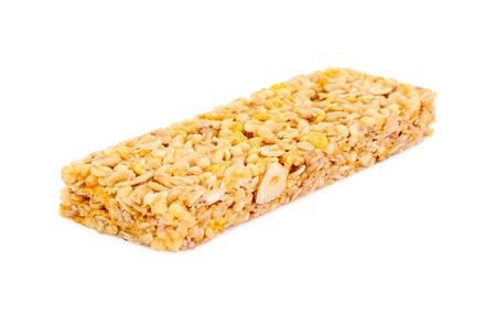 barra de cereal: Soltero barra de cereal aislado en blanco