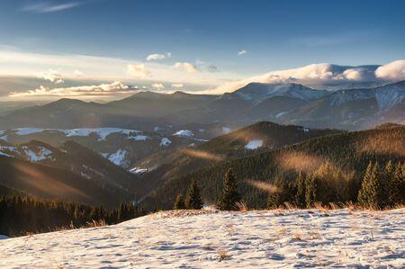 Winter mountain landscape. Sunny day high in the Carpathian mountains. Reklamní fotografie