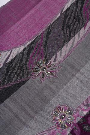 sciarpa con motivo floreale ornamentale tradizionale