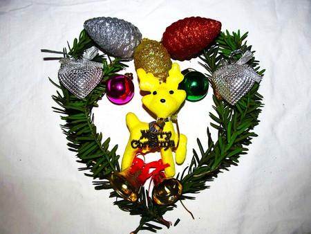 a yelow deer Christmas decoration