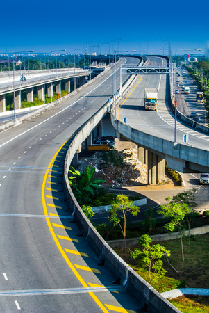 long weekend: Quando un lungo weekend a Thiland, superstrada sono vuote