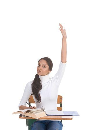 signalering: High school of college vrouwelijke student die door het bureau aan de orde stellen haar vergadering bewapenen signalering dat zij weten en is bereid te beantwoorden