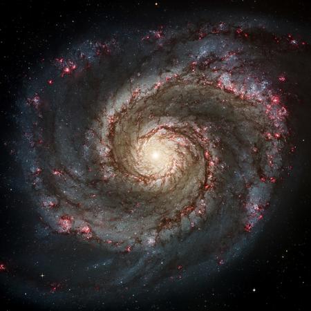 明るい光学中心と galaxy システム。