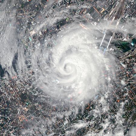 嵐と宇宙から地球のビュー。
