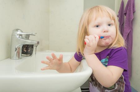 dentalcare: Brushing Teeth