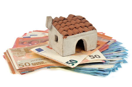 House posed on banknotes