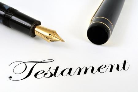 Testament and fountain pen Standard-Bild