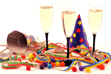 Champagne and party favors Banque d'images - 106686434