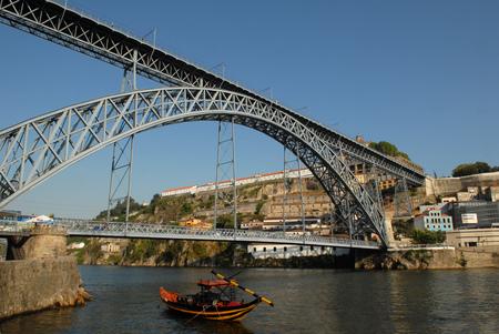 Louis 1st Bridge in Porto Editorial