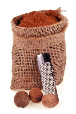 Nutmeg powder and nutmeg