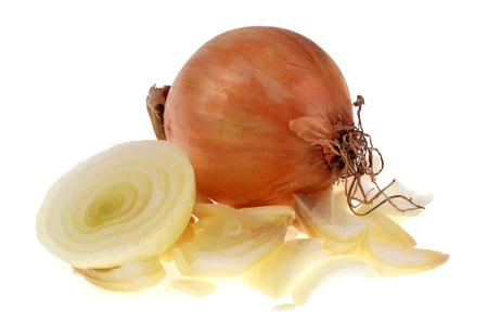 Whole onion and peeled onion