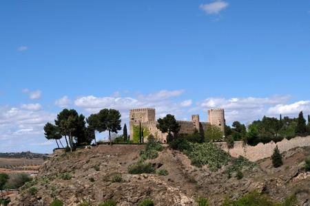 San Servando Castle in Toledo, Spain Stockfoto - 121982655