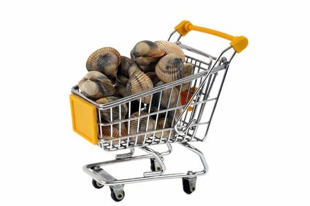Supermarket trolley filled with hulls Imagens