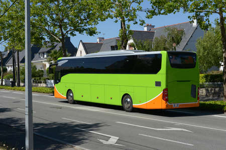 Bus driving in a street of Vannes in Brittany Stockfoto