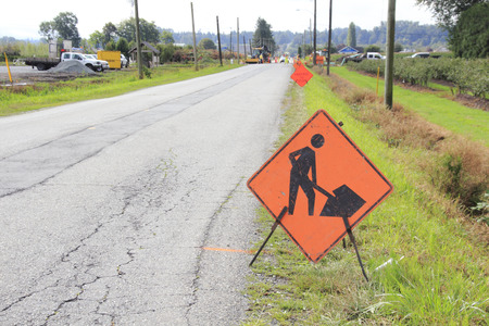 A sign indicates to drivers that construction is up ahead.
