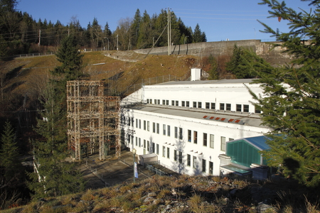 electric power station: An electric power generating station built in 1930 near Mission, British Columbia.