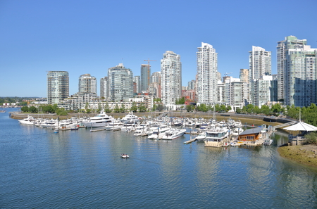A high angle view of downtown Vancouver overlooking False Creek during the summer months. Stock fotó