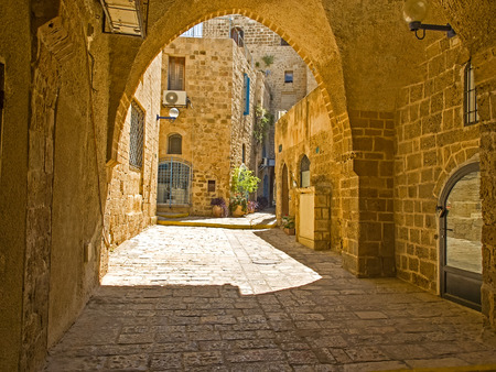 yaffo: Antigua calle y las casas antiguas en Jaffa, Israel Foto de archivo