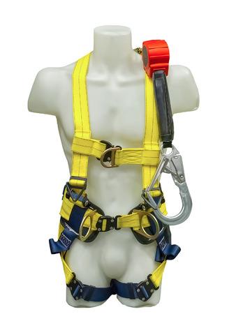 mannequin: Mannequin dans les �quipements de harnais de s�curit� et cordon pour les travaux en hauteur isol�s sur un fond blanc Banque d'images